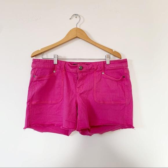 Torrid Pink Raw Edge Hem Cut Off Shorts Sz 18